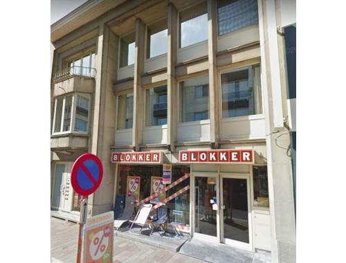 Handelsgelijkvloers te koop in Zwevegem, € 415.000