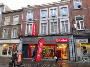 .Prachtige opbrengsteigendom te koop, gelegen in het centrum van Verviers, Rue Du Brou 45-47.<br /> Het pand heeft een gelijkvloerse oppervlakte van 2