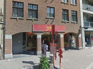 Prachtig handelsgelijkvloers te huur met een oppervlakte van ca. 336 m². Kenmerken: afzonderlijk sanitair, bergruimte, bureel<br /> afzonderlijke