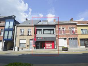 Instapklare, top onderhouden handelswoning te koop, gelegen in het centrum van Ninove (mits aanpassing mogelijk om gelijkvloers om te vormen tot woong