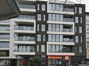 Voor meer info of een bezoek bel 054 33 62 52 - Moderne investeringseigendom te koop (gelijkvloers), gelegen op de Grote Markt te Beveren in 'Resident