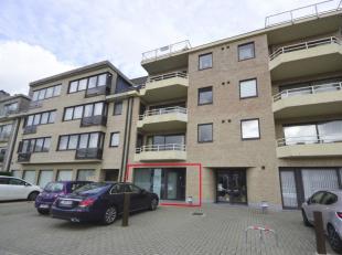 Instapklaar kantoor te huur, gelegen op een strategische ligging op de Bevrijdingslaan te Ninove, rechtover Bpost en de Stadsdiensten. Dit pand heeft