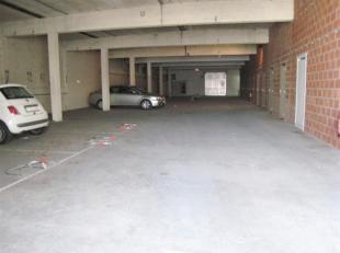 Ideale investering !!!!<br /> In het stadscentrum van Ninove bevinden zich deze open, overdekte garagestaanplaatsen met aparte, ruime kelders.