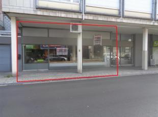 Opbrengsteigendom te koop, gelegen in het centrum van Aalst.<br /> Dit pand heeft een gelijkvloerse oppervlakte van ca. 200 m²<br /> Ideaal gesch