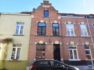 Deze instapklare 3-slaapkamerwoning kan u terugvinden in de Tarbotstraat in Gent. De woning is ontworpen door architect Semey en is opgenomen als waar
