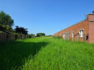 Située à l'entrée du village d'Ellezelles, bous trouvez ce terrain à bâtir de 725m². Le terrain est situ&eacute