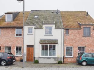 Stijlvolle, energiezuinige gezinswoning gelegen in het centrum van Zingem! De woning ligt in de nabijheid van scholen, winkels, open baar vervoer, N60