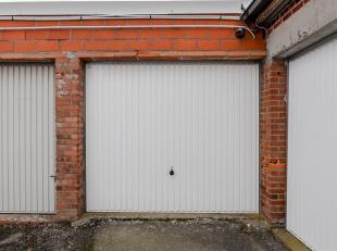 Garage à vendre                     à 9660 Nederbrakel
