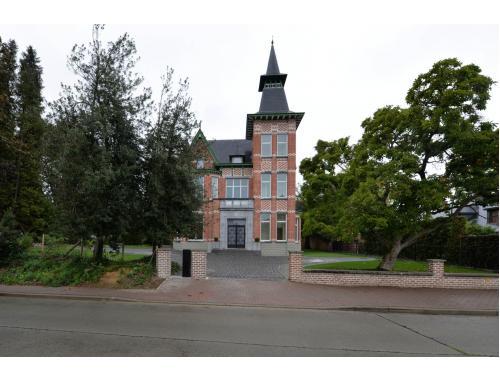 Bâtiment commercial à louer à Geraardsbergen, € 5.200