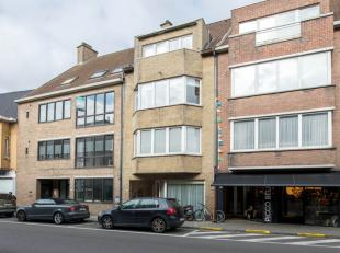 Interessante en heel centraal gelegen opbrengsteigendom in het hartje van Avelgem! Omvat een appartementsgebouw bestaande uit 4 appartementen verdeeld