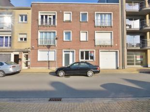 Ruime garagebox (10 m x 2.5 m) gelegen in de Brusselstraat op een wandelafstand van de Zeedijk te Zeebrugge.<br /> Inrijhoogte bedraagt 1.60 meter.