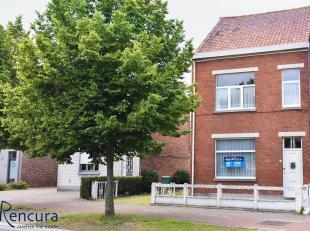 Deze te renoveren woning is gelegen in het centrum van Ertvelde en heeft een perceeloppervlakte van 837 m².<br /> De woning is gelegen vlakbij ve