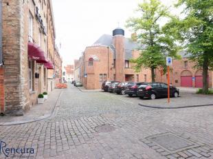 Prachtig gerenoveerd 2 slaapkamer appartement in centrum Brugge aan de Sint-Annarei.<br /> Indeling : Leefruimte met geïnstalleerde open keuken,