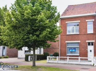 Deze volledig te renoveren woning is gelegen in het centrum van Ertvelde en heeft een perceeloppervlakte van 837 m².<br /> De woning is gelegen v