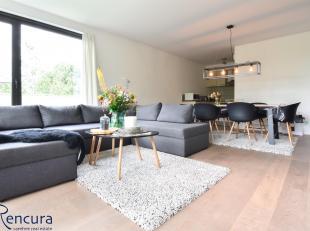 Lichtrijk 2 slaapkamer appartement gelegen op een rustige groene site.<br /> Het complex is mooi onderhouden en bevindt zich op wandelafstand van cent
