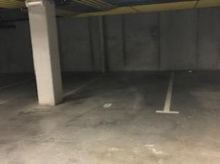 Gelegen aan de stadsrand van Gent centrum, nabij UZ, treft u deze ondergrondse en privatieve autostaanplaats (nr 6)  gelegen in een  recentelijk appar