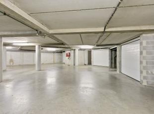 Onder het appartementsgebouw vindt u deze afgesloten bergruimte. Ideaal voor een investeerder of iemand die een extra bergruimte zoekt.<br /> Deze wor