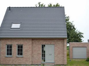 Langs de Provinciebaan 169 te Velzeke, Zottegem, vindt u deze nieuw te bouwen, ruime halfopen bebouwing op een perceel van 343,15 m². Gelegen in