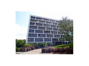 Kantoren in een zeer bereikbaar en representatief kantoorgebouw te Gent, uitstekend bereikbaar (omgeving Gent UZ) zowel vanuit de binnenstad als via d