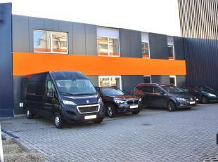 Het betreft een instapklaar kantoorgebouw aan de rand van Gent met een uiterst vlotte bereikbaarheid. Het is in de onmiddelijke omgeving van tram, bus