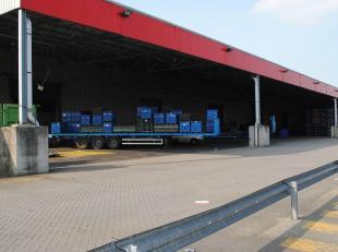 In de Gentse Haven worden er magazijnen aangeboden, richting Zelzate, naast de Kennedylaan. Beschikbare opp.: Uitrusting: Zowel kantoor, magazijn als
