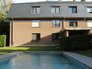 Appartement van 133m² , bestaande uit living, keuken, badkamer, aparte douche,3 slaapkamers, terras, kelder, ondergrondse autostaanplaats, gemeen