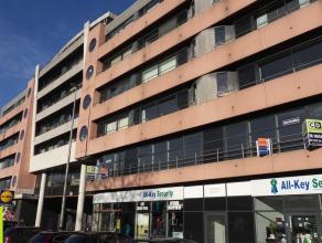 474m² kantoorruimte met 60m² berging te koop<br /> Ligging: gelegen op de stadsring R40, met vlotte verbinding naar E40/E17/R4; vlakbij Wat