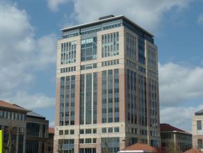 866m² (à 5196m²) landscape kantoren<br /> Ligging: vlakbij afrit E19<br /> Beschikbaar: onmiddellijk<br /> Meer info of een bezoek