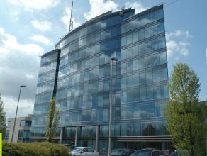 329m² (à 3239m²) kantoorruimte<br /> Ligging: vlakbij E19 Antwerpen-Brussel<br /> Beschikbaar: onmiddellijk<br /> Meer info of een