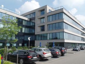 611m² kantoorruimte Ligging: zichtlocatie langs E19 Beschikbaar: onmiddellijk