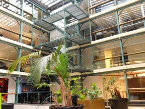 41m² (à 102m²) gemeubelde kantoorruimte <br /> Ligging: aan Gent-Zuid; vlakbij afrit E17/E40; op wandelafstand van centrum, bus- en