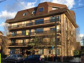 370m² kantoorruimte met parkeerpmogelijkheid<br /> Ligging: op wandelafstand van station Gent Sint-Pieters <br /> Beschikbaar: onmiddellijk