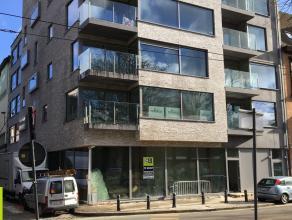 130m² kantoorruimte met 9m² archief <br /> Ligging: aan het Zuidpark, vlakbij afrit E17xE40, op wandelafstand van bus- en tramhaltes <br />