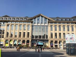 512,66m² (à 27081m²) kantoorruimte <br /> Ligging: Woodrow Wilsonplein / Kuiperskaai; Shoppingcenter Gent Zuid <br /> Beschikbaar: