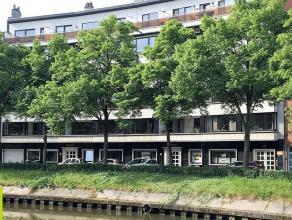 850m² kantoorgelijkvloers <br /> Ligging: op 8 min wandelafstand van het station Gent-Sint-Pieters <br /> Beschikbaar: onmiddellijk <br /> Mee