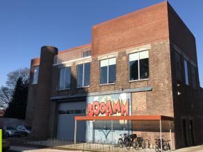 8m² (à 226,2m²) gemeubelde kantoorruimte op 1e verdieping <br /> Ligging: vlakbij stadsring en centrum Gent, goed bereikbaar met ope