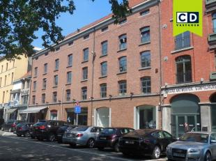 92m²  kantoorruimte op 3de verdieping (uitbreidbaar tot 423m²)<br /> Ligging: nabij inrit van de Waaslandtunnel en bij Antwerpse Leien<br />