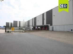 4.604m² magazijn (uitbreidbaar tot 10987m²)<br /> Ligging: vlakbij E19 Antwerpen-Brussel; industriepark Mechelen Noord<br /> Specificaties: