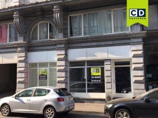 88m² winkel/kantoorruimte<br /> Ligging: vlakbij afrit E17 (Gent-centrum) en openbaar vervoer<br /> Specificaties: traditioneel metselwerk, authe