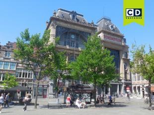 332m² kantoorruimte<br /> Ligging: centrum Gent; openbaar vervoer op wandelafstand, ondergrondse parking vlak voor het gebouw<br /> Specificaties