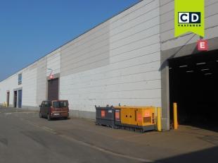 2125m² magazijn<br /> Ligging: vlakbij afrit A12<br /> Specificaties: 7m vrije hoogte, volledige overspanning, 1 à 2 automatische poorten