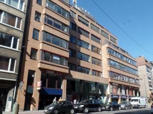 518m² kantoorruimte<br /> Ligging: vlot bereikbaar met openbaar vervoer<br /> Specificaties: dubbel glas, landscape, verlaagd plafond, inbouw tl-