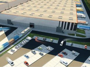 10.000m² magazijn te huur in Gent-Zeehaven<br /> Ligging: R4, Kluizendok-Haven<br /> Specificaties: vrije hoogte: tot 20m, grote sectionale poort