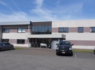 48m² kantoren<br /> Ligging: vlakbij R4; Skaldenstraat (nabij Katoen Natie en SEA-Invest)<br /> Specificaties: dubbele beglazing, ingedeelde ruim