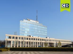 344m² kantoorruimte op 2de verdieping<br /> Ligging: vlakbij E19 Antwerpen-Brussel<br /> Specificaties: glasgevel, dubbele beglazing, deels inged