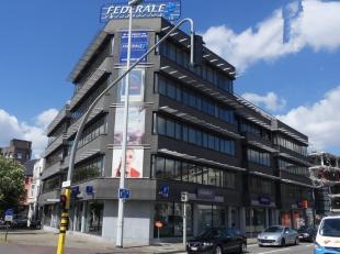 376m² kantoorruimte op 2de verdieping<br /> Ligging: aan de Singel, met vlotte verbinding naar E17/E19<br /> Specificaties: dubbel glas, landscap