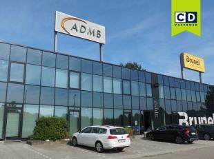 237m² kantoorruimte op eerste verdieping met mogelijkheid tot 6 parkeerplaatsen<br /> Ligging: strategisch gelegen burelen met grote zichtbaarhei