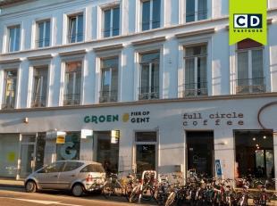 181m² winkel/kantoorruimte<br /> Ligging: op wandelafstand van 't Zuid, bus-en tramhaltes, vlakbij afrit E17 en E40<br /> Specificaties: betoncon