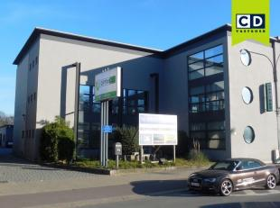 1484m² kantoorruimte met archief op 2171m² grond<br /> Ligging: langs A12; bushalte op wandelafstand<br /> Specificaties: volledig ingedeeld
