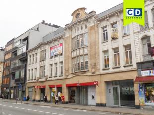126m² kantoorruimte met terras<br /> Ligging: station Antwerpen-Centraal op wandelafstand<br /> Indeling: landschapskantoor met aparte vergaderza